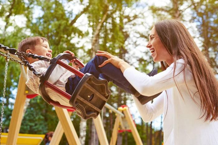 والدین برای آموزش مهارت تصمیم گیری به کودکان، چه وظایفی دارند؟