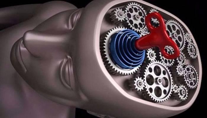 چطور با شناخت ۷ استراتژی ذهنی افراد مختلف، آنها را به راحتی متقاعد کنیم؟