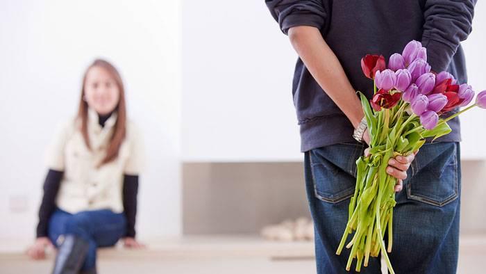 چرا یک دختر باید تو خونه منتظر خواستگار باشه؟