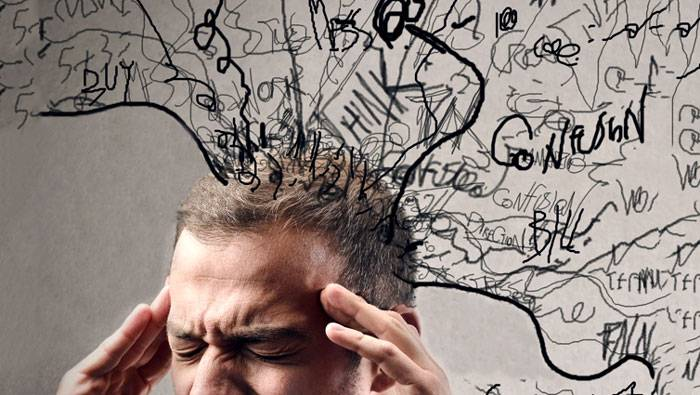 چرا خاطرات بد ما را آزار میدهند؟