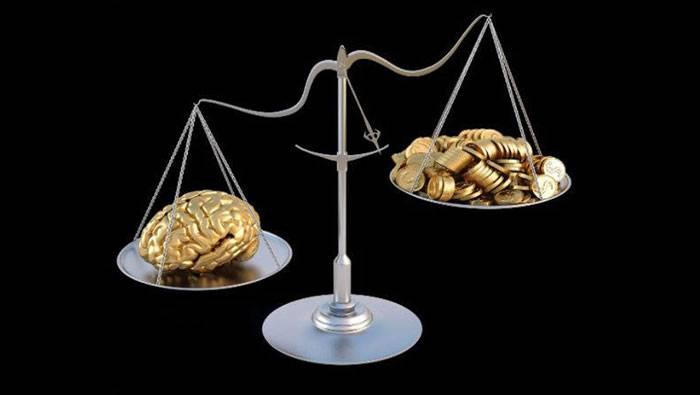 طرح سوال علم بهتر است یا ثروت، چطور روی آیندهی ما اثر میگذارد؟