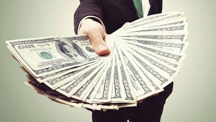 ۱- ثروتمندان با استفاده از پول، پول در میآورند