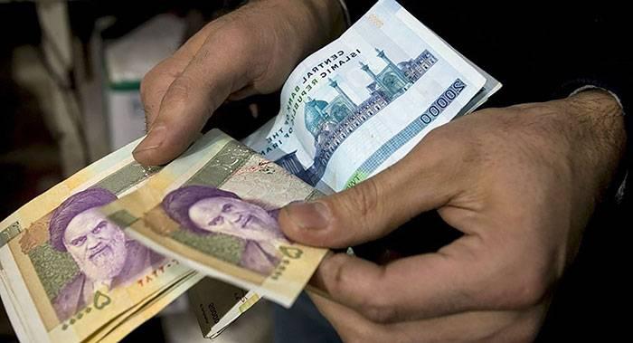۳ عادت بد پول خرج کردن که باید کنار گذاشته شود