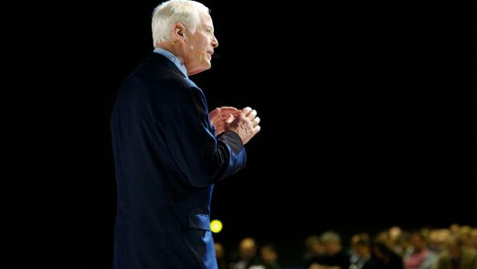brian-tracy-on-stage